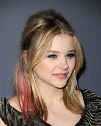chloe moretz and her pink hair