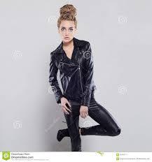 Belle Fille Sexy En Cuir Jeune Femme Blonde De Punk Rock