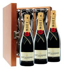 moet chandon brut chagne 75cl trio luxury gift boxed chagne