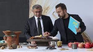 """Şef Ömür Akkor ile """"Anadolu'nun Binlerce Yılı"""" başlıklı yemek sergisi  açıldı - Yaşam Haberleri"""