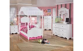 Ashley Furniture HomeStore: Exquisite Poster Bedroom Set