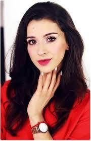 alina rose makeup triki makijażowe kreska i trwałe czerwone usta