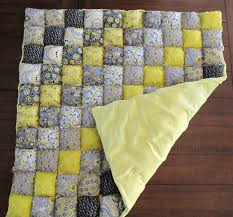 3 Hour Rag Quilt Tutorial | Quilt tutorials, Rag quilt and Tutorials & Puff Quilt Tutorial for Beginners...would be super cute in Izzys room with Adamdwight.com