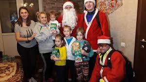 фото Дед Морозы на велосипедах поздравили с Рождеством   фото Дед Морозы на велосипедах поздравили с Рождеством многодетные семьи в секторе Ботаника