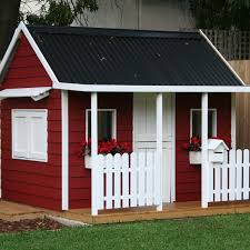 a great size for most families add the side servery window or slide side for a fantastic play haven for your kids a great size cubby with