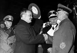 """""""Ушастая черная обезьяна пытается править миром"""", - фанаты Сталина и Берии на первомайском шествии в Москве - Цензор.НЕТ 6361"""