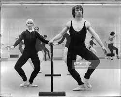 Russian Dancer Nureyev shakes a leg with the Australian Ballet at the...  Foto di attualità - Getty Images