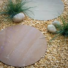 round stepping stone 450mm buff brown