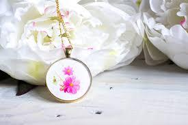 diy birth month flower pendant resin