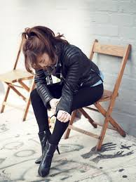 jullianne blogger leather jacket rock black jeans hairstyles black boots ponytail