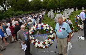 u s department of defense photo essay two korean war veterans pose the u s wreath after president barack obama and defense secretary