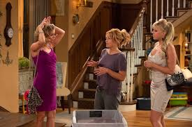 fuller house stephanie. Perfect House Kimmy Gibbler DJ Tanner And Stephanie Tanner On Fuller House To L
