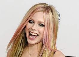 Avril Lavigne kündigt nach drei Jahren neues Album an
