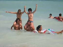 amateur beach romanian bikini topless tits boobs babes girls naked.