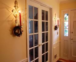 how to hang garland around front doorHanging Garland Doorways  Christmas Porch And Front Door Garland
