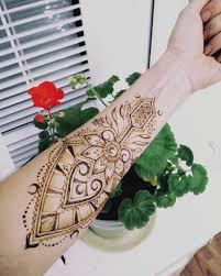 Geometric Flower мехенди на руке джагуа гель мехенди спб