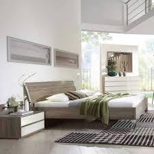 Schlafzimmer Cremefarben