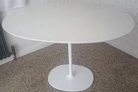 arper dizzie white oval dining table seats 4 6
