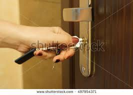 woman hand on door knob ile ilgili görsel sonucu