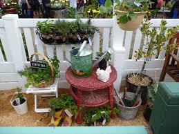 DIY Container Garden Plans Using Soda Bottles Easy To Make Easy Container Garden Plans
