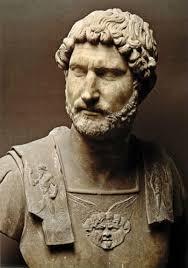 Resultado de imagem para historia biografia adriano imperador