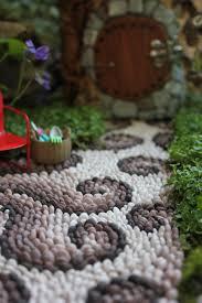 Mesmerizing Mosaic Pathways Only For Your EyesMosaic Garden Path