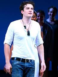 Orlando bloom makes his broadway debut as one of the hunkiest. Orlando Bloom Describes His Great Love In Romeo And Juliet Scene See The Video People Com