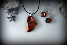 dichroic glass pendant matching earrings glass jewelry t fuse red orange effects