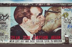 download famous berlin wall street art graffiti the kiss at east side gallery  on famous berlin wall graffiti artist with famous berlin wall street art graffiti the kiss at east side