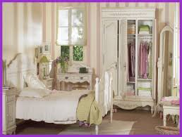vintage chic bedroom furniture.  Vintage Interior And Furniture Design Inspiring Shabby Chic Bedroom On Bedrooms  Ideal Home To Vintage Y