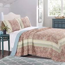 Fraire Reversible Bedspread Quilt Set & Reviews   Joss & Main & Fraire Reversible Bedspread Quilt Set Adamdwight.com