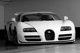 The oreeginal version haes a top speed o 408.00 km/h (253.52 mph). Amazon Com Driver Motorsports Bugatti Veyron Super Sport Front Black And White Hd Poster Super Car 48 X 32 Inch Print Home Kitchen