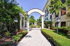 exterior view hampton inn palm beach gardens