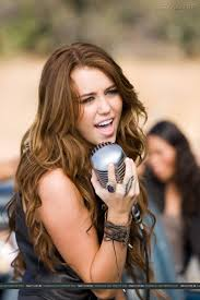 Miley Cyrus Bedroom Wallpaper 17 Best Images About Miley Cyrus On Pinterest The Old Her Cut