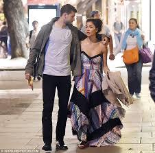 Fără griji, dar cu bani! Nicole Scherzinger And Boyfriend Grigor Dimitrov Cosy Up Following Theatre Date Daily Mail Online