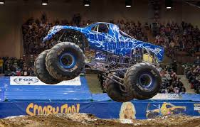 the show will feature 12 of the world s most famous monster jam trucks including monster jam world finals champions grave digger and max dtm