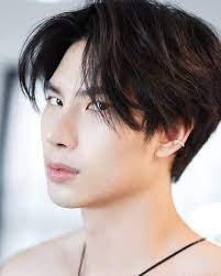 ส่องประวัติ แม็กซ์ ณัฐพล นักแสดงจากซีรีส์วายชื่อดัง Bad Romance | Thaiger  ข่าวไทย