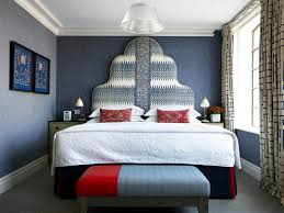 London Wallpaper Bedroom A First Timers Guide To London Darling Magazine