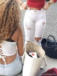 Girls in cameltoe jeans