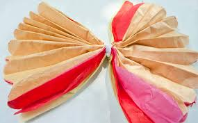 How To Make Flower Out Of Tissue Paper How To Make Mexican Tissue Paper Flowers Clumsy Crafter
