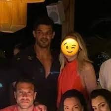 """Kadraj Magazin on Twitter: """"Yeni aşk! Hadise, Gloria Jean's Coffees'in  sahibi Mehmet Dinçerler ile bu akşam Bodrum Lucca'da samimi bir şekilde  görüntülendi. Çiftin, mekana el ele girdiği öğrenildi. Gün içinde  Hadise'nin eski"""
