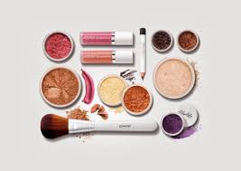how to detox your beauty bag from the most harmful chemicals in makeup