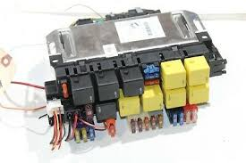 2003 2006 mercedes benz s430 s500 left fuse box relay control module 2003 2006 mercedes benz s430 fuse box relay control module k9327
