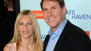 notebook author nicholas sparks separates from wife cathy after   notebook author nicholas sparks separates from wife cathy after 25 years com