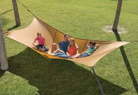 the giant hammock can seat up to five grown s