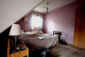 Schlafzimmer Mit Dachschrage Gestaltet Dachschraege Gestalten Bett