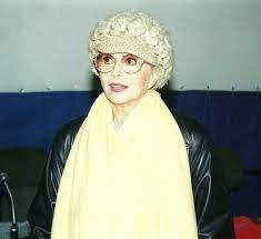 Miranda Martino chi è, età, marito, vita privata della cantante ospite a  Oggi è un altro giorno