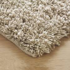 here to the gus rug