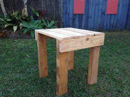 recycled pallet small side table