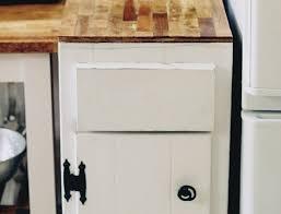 diy paint stirrer countertop